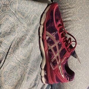 Asics Shoes - Asics Gel-Kayano 22